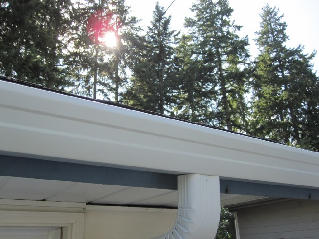 Mercer Island Home Replaces Gutters With Wide Bottom